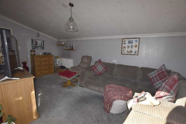 Thumbnail Flat for sale in Puckleside, Basildon, Essex