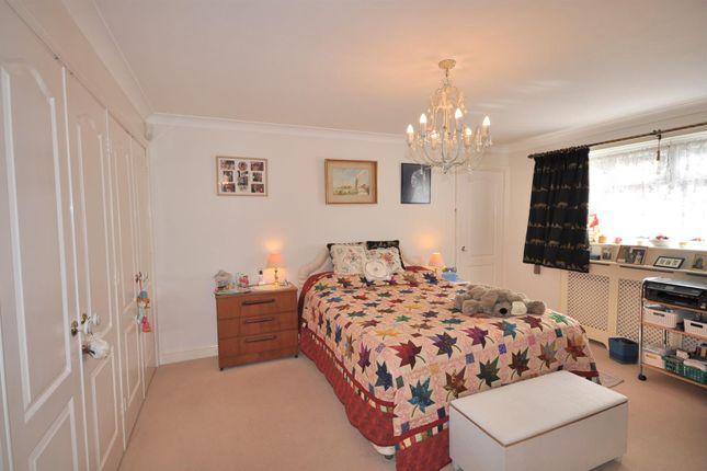 Bedroom One of Beacon Hill Road, Newark NG24