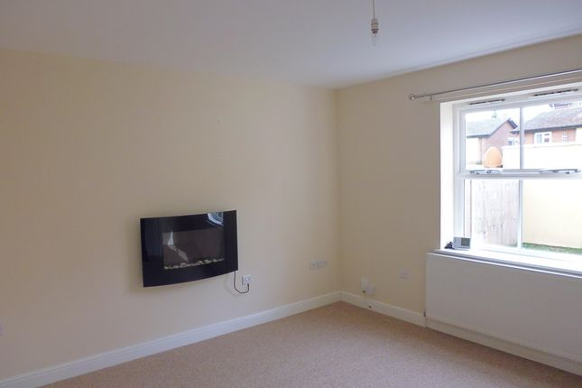 2 bed end terrace house to rent in Main Road, Washingborough, Lincoln LN4
