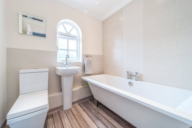 Bathroom of The Thatchers, Thorley, Bishop's Stortford CM23