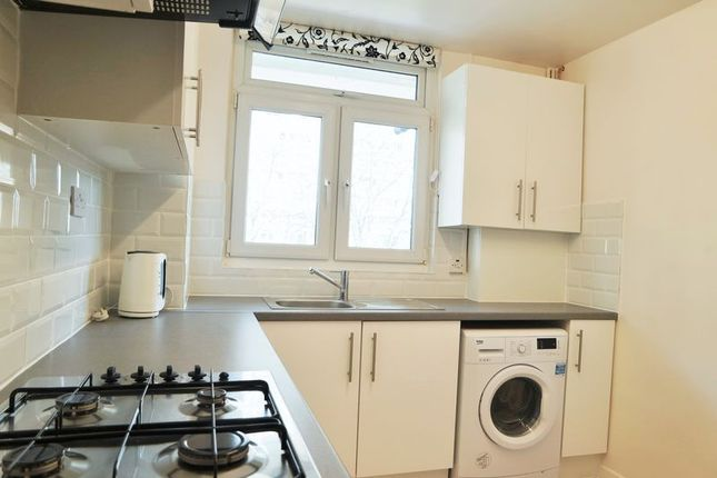 2 bed flat to rent in St. Leonards Road, London