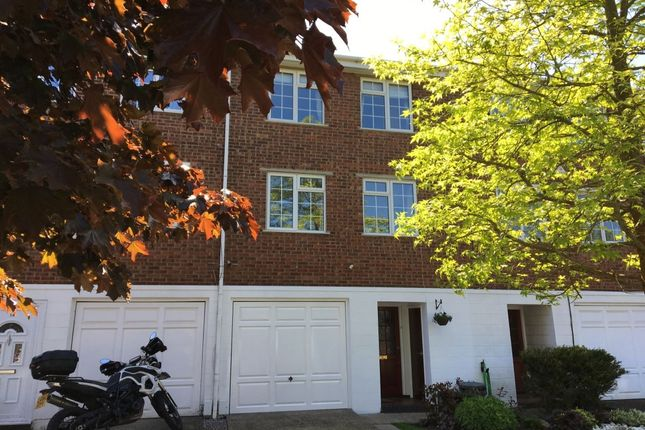 Thumbnail Terraced house for sale in Station Approach, Chelsfield, Orpington