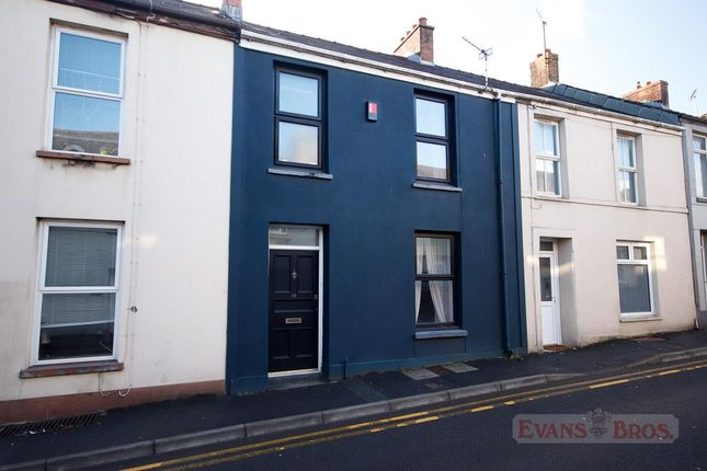 3 bed property for sale in Water Street, Carmarthen SA31