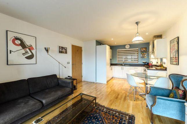 Thumbnail Flat to rent in Neckinger Estate, London