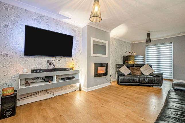 3 bed end terrace house for sale in Chingford Walk, Hull HU9