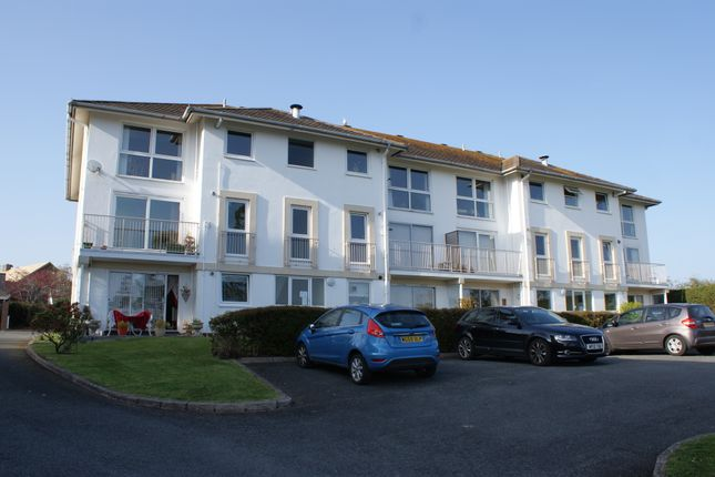 Thumbnail Flat to rent in Furzehill Road, Torquay