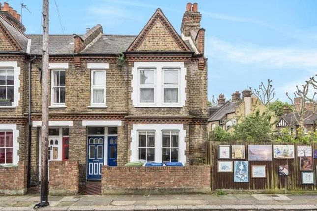 Thumbnail Flat for sale in Aylesbury Road, London