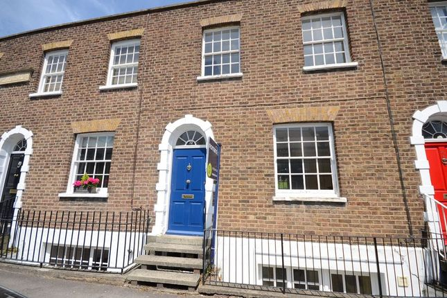 Thumbnail Terraced house to rent in Grove Road, Windsor