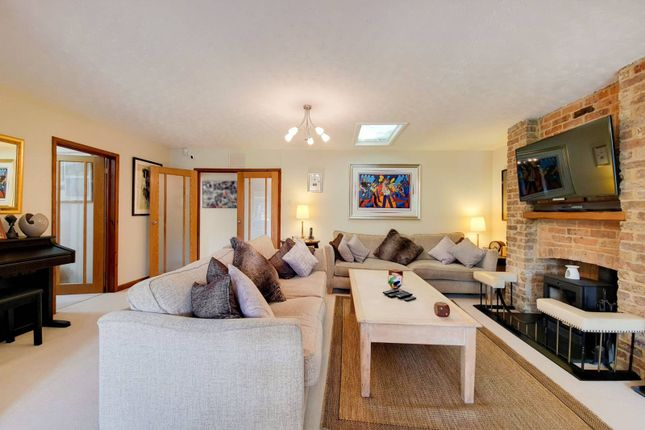 3 bed bungalow for sale in Long Lane, Berkshire, Maidenhead SL6
