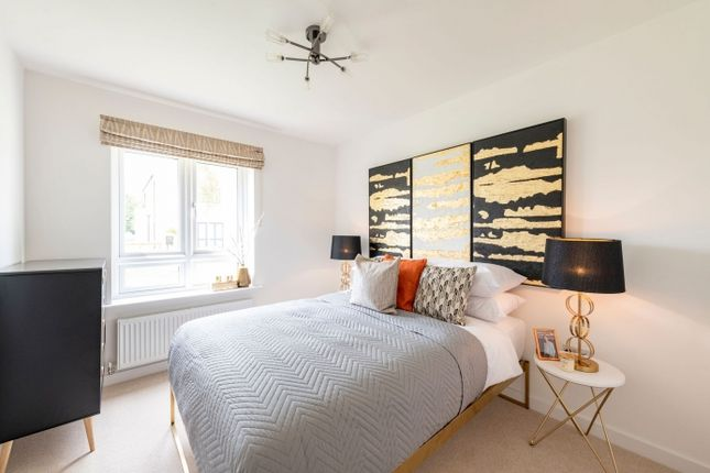 1 bedroom flat for sale in Orchard Lane, East Molesey