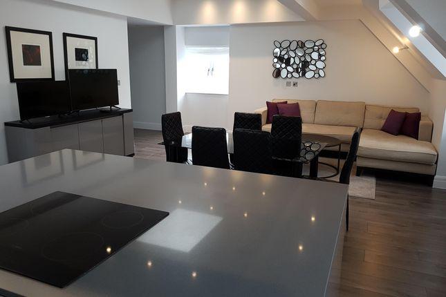 Thumbnail Penthouse to rent in Kew Bridge Road, Brentford