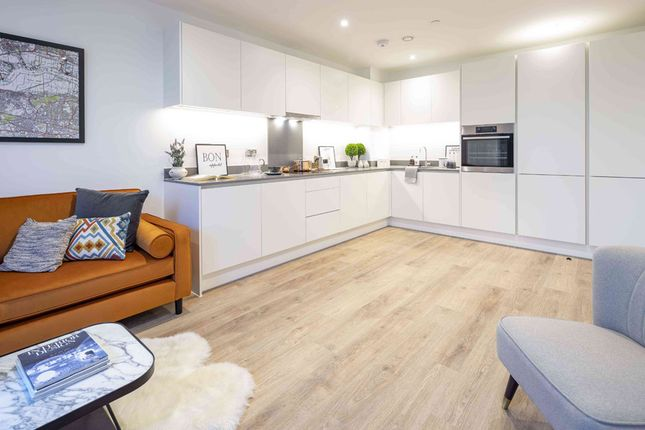 Flat for sale in Knights Road, Silvertown
