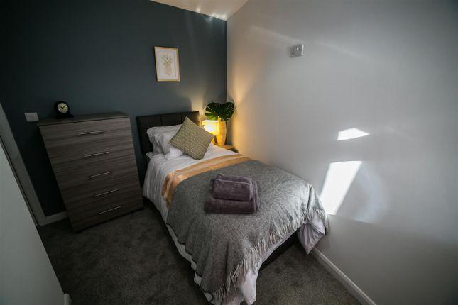 Studio to rent in Two Gates, Halesowen B63