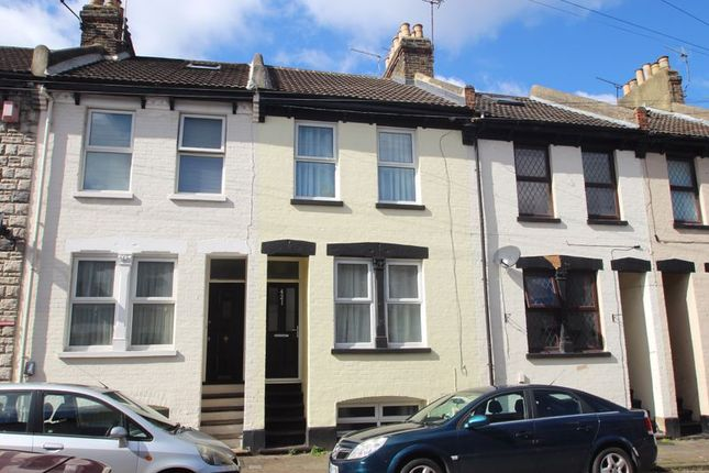 Thumbnail Terraced house for sale in St. Peter Street, Rochester