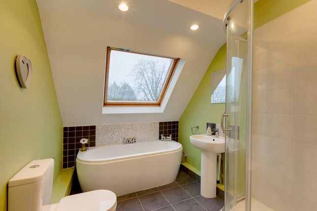 Family Bathroom of Meetinghouse Croft, Woodhouse, Sheffield S13