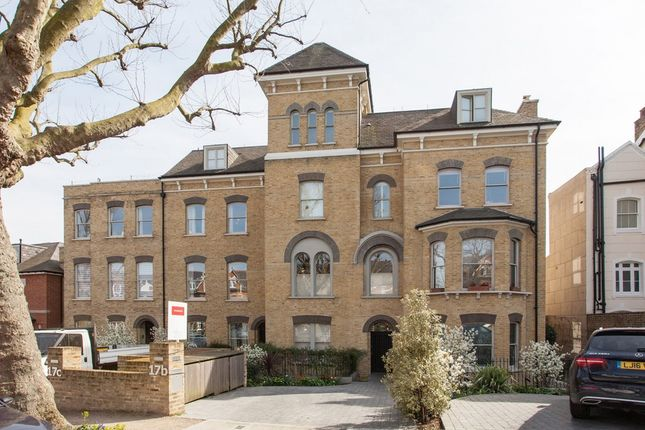 Thumbnail Terraced house for sale in Grove Park, Camberwell