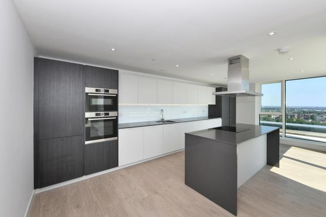 Thumbnail Flat for sale in Skylark Penthouse, Woodberry Down, London