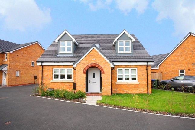 Thumbnail Detached house for sale in Avon Way, Bidford On Avon