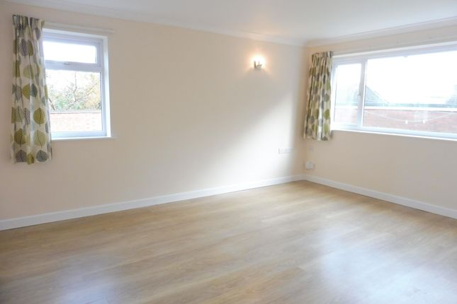 Thumbnail Flat to rent in High Street, Cubbington, Leamington Spa