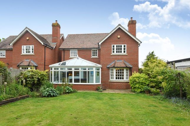 Thumbnail Detached house for sale in London Road, Thatcham