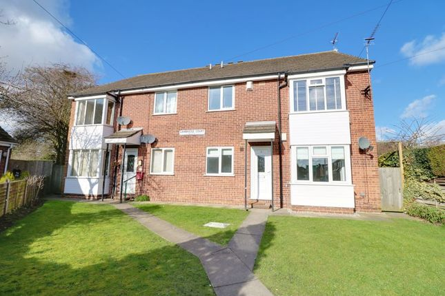 Thumbnail Flat for sale in Cambridge Court, Hessle