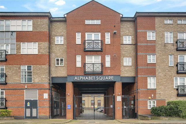 Thumbnail Town house to rent in Alphabet Square, Bow, London