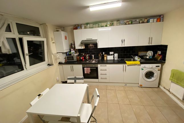 4 bed flat for sale in Edgecot Grove, London N15