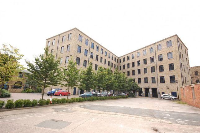 Thumbnail Flat to rent in Firth Street, Huddersfield