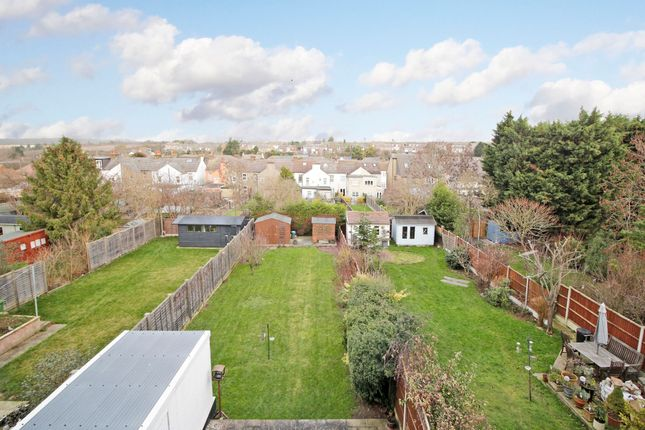Garden of Kent Road, Longfield DA3