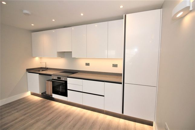 Thumbnail 1 bed flat to rent in High Street, Gravesend