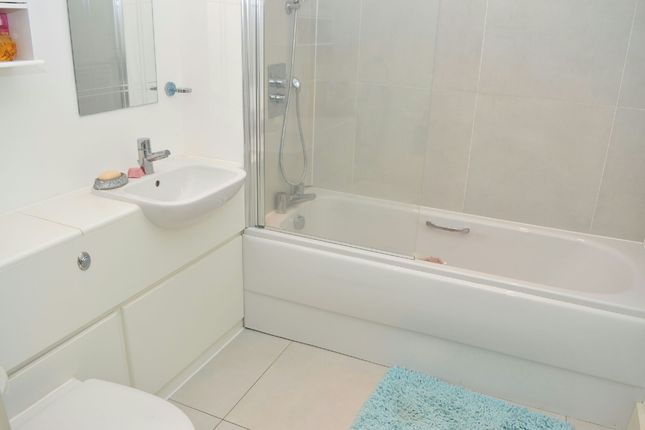 Bathroom of Ruxley Lane, West Ewell, Surrey. KT19