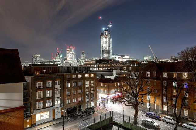 Thumbnail Flat for sale in Clifton House, Shoreditch High Street