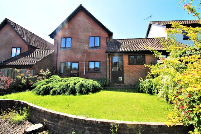 Thumbnail Link-detached house for sale in Beckett Way, East Grinstead