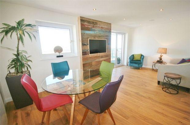 Thumbnail Flat to rent in Pocketts Wharf, Maritime Quarter, Swansea, West Glamorgan