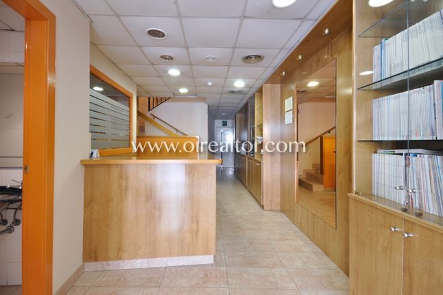 Thumbnail Commercial property for sale in Centre, Mataró, Spain