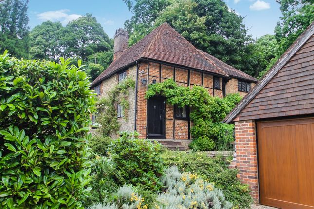 Thumbnail Detached house for sale in Pains Hill, Oxted