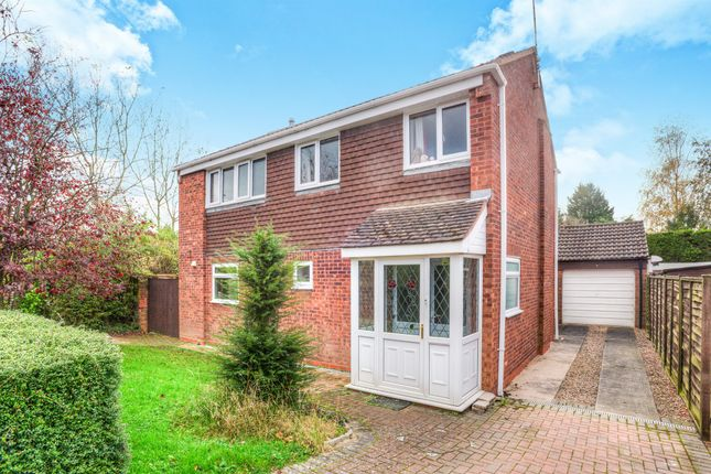 Thumbnail Detached house for sale in Seymour Road, Alcester
