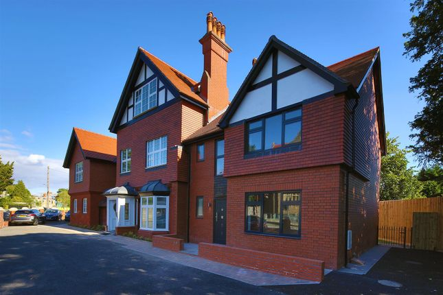 Thumbnail Town house for sale in Stanwell Road, Penarth