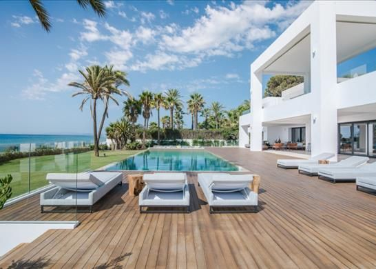 Thumbnail Detached house for sale in Estepona, Málaga, Spain