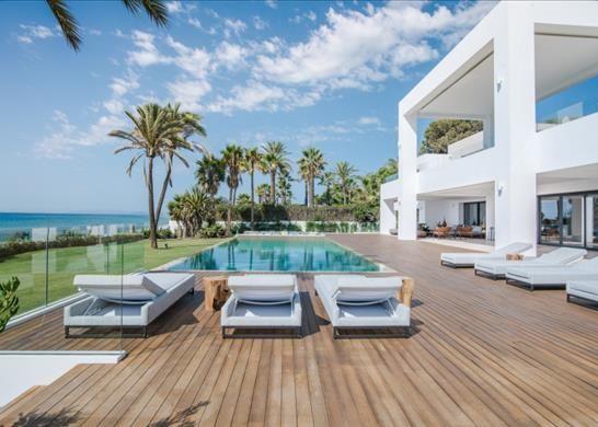 Thumbnail Detached house for sale in Estepona, Málaga, Spain