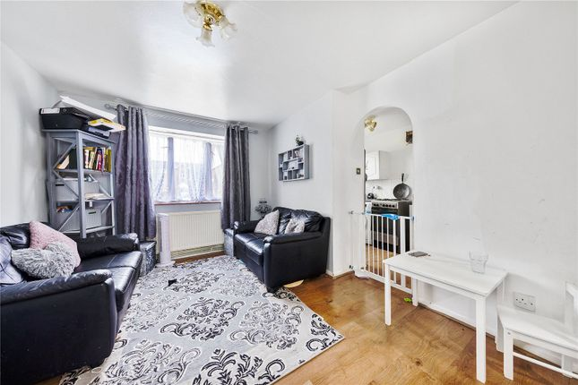 1 bed flat for sale in Express Drive, Ilford, Essex IG3