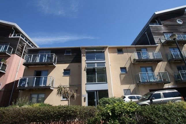Thumbnail Flat for sale in Cei Dafydd, Barry