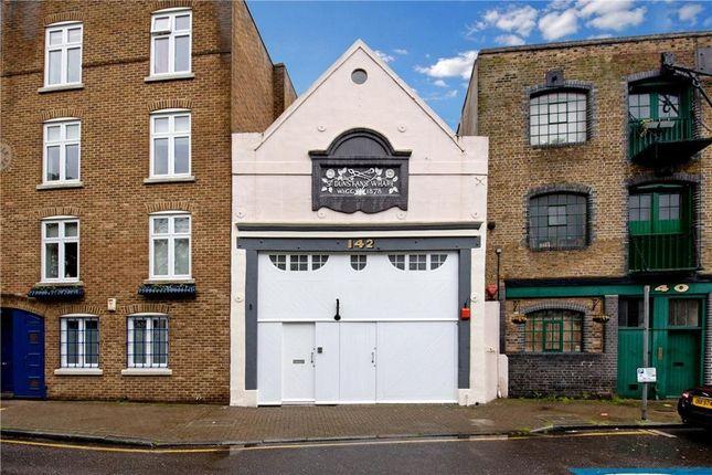 Thumbnail Flat for sale in Narrow Street, Poplar, London