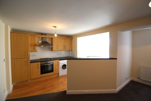 Thumbnail Flat to rent in Crow Wood Lane, Widnes