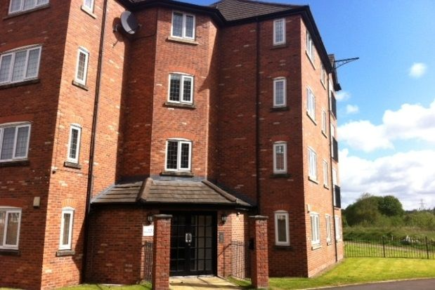 Thumbnail Flat to rent in Prestolee Court, Pendlebury