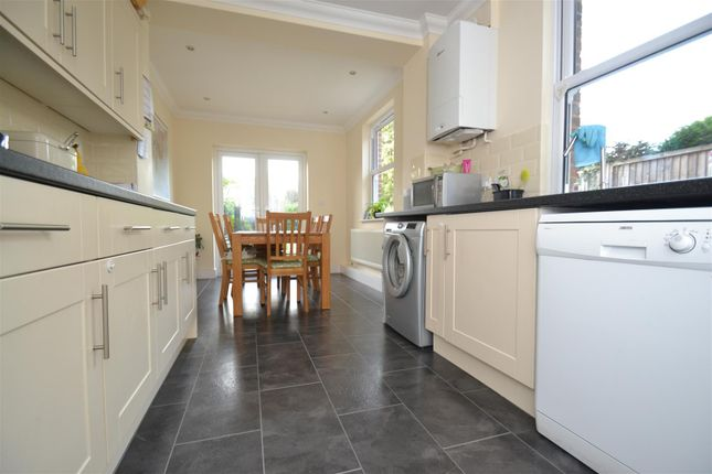 Thumbnail Semi-detached house to rent in Queens Road, Horley