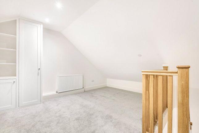 Attic Bedroom of George Road, Guildford GU1