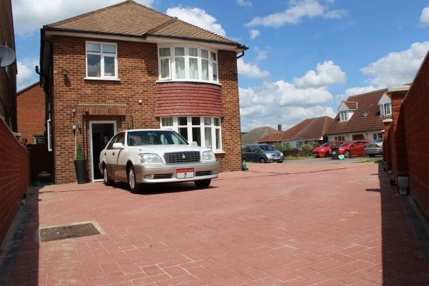 Thumbnail Property to rent in Potton Road, Biggleswade