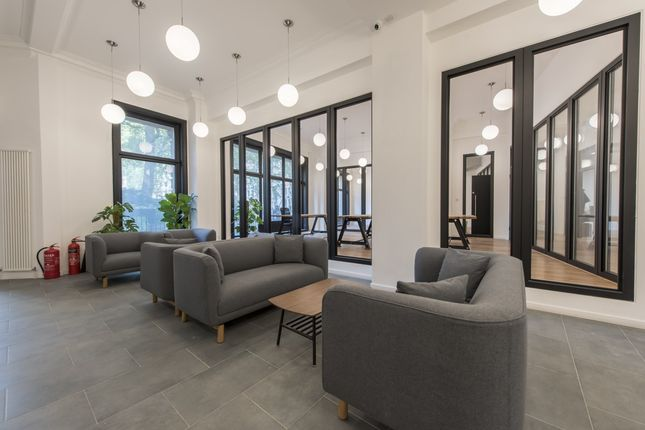 Office to let in Finsbury Circus, London
