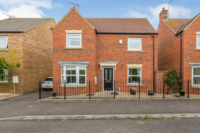 Thumbnail Detached house for sale in Hampstead Close, Aylesbury